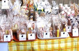 チャリティー販売用お菓子のブース